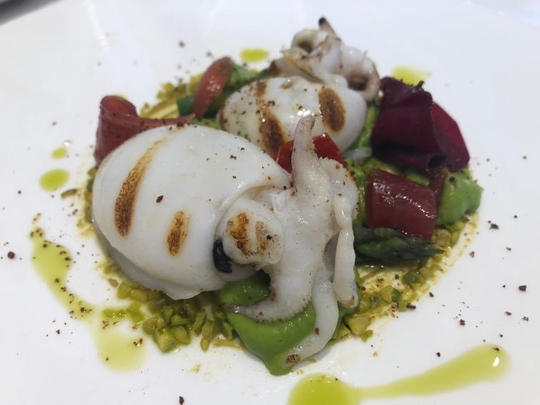 Seppioline, asparagi, piselli, pistacchio