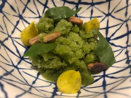 """Acetosella """"frozen"""", pistacchio e cicoria"""